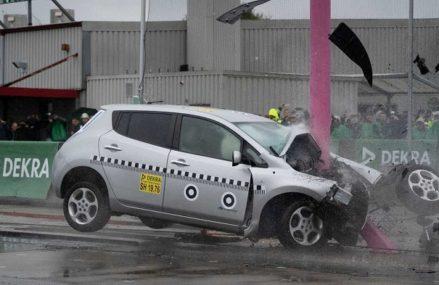 Mobil Listrik Tidak Lebih Bahaya Ketika Kecelakaan