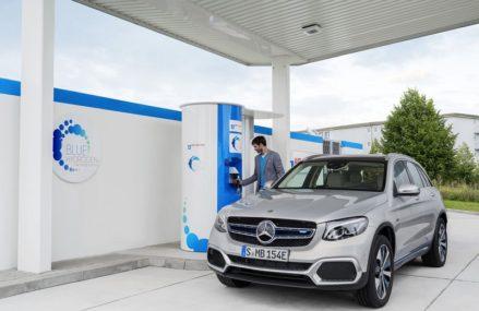 Mercedes Berhenti Mengembangkan Mobil Hidrogen