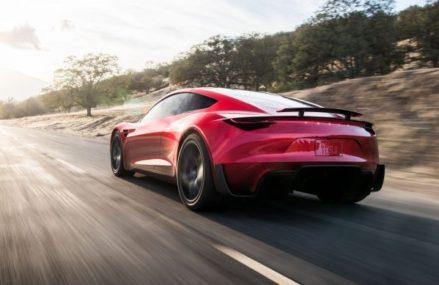 Penjualan Tesla Roadster Ditunda Hingga Tahun 2022