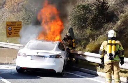 Benarkah Mobil Listrik Rawan Terbakar?