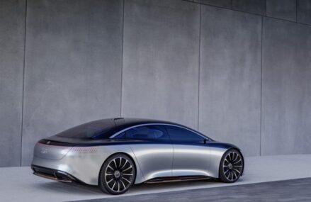 Mercedes Akan Fokus Jual Kendaraan Listrik di Tahun 2030