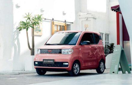Wuling Mini EV Terjual 50 Ribu Unit Dalam Sebulan