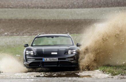 Porsche Taycan Cross Turismo : Station Wagon Elektrik Untuk Segala Medan