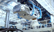 Mercedes Mulai Produksi Sedan Mewah Elektrik EQS